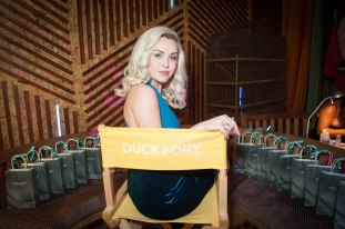 Duck and Dry blow dry talented singer Shannon's hear for her performance