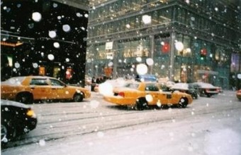 New York copes with the snow at Christmas