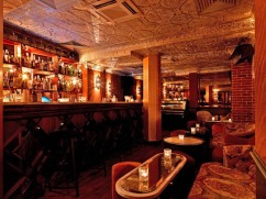We grab a drink at #LeBallroom speakeasy inspired bar below renown restaurant #LeBeefClub